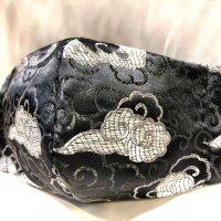 【即納】高級ジャガード 黒にシルバー雲 和柄立体型マスク 不織布内蔵 通年タイプ LLサイズ