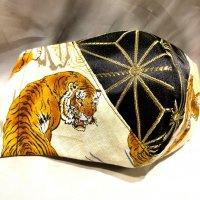 【即納】ジャガード麻の葉×金彩虎 和柄 立体型マスク 不織布内蔵 LLサイズ