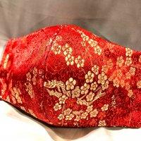 【即納】新色!高級!上質ジャガード  赤にゴールドの梅 和柄立体型マスク 通年タイプ 不織布内蔵 LLサイズ