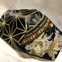 【即納】金襴麻の葉ゴールド×狛犬・獅子 和柄 立体型マスク 不織布内蔵 LLサイズ