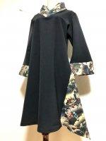 【即納】和柄着物襟風アシンメトリーワンピース 黒×シック柄 3L〜4L