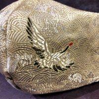 【即納】夏用!内側サラッと!高級ジャガード 白にゴールド鶴 和柄立体型マスク 不織布内蔵 全サイズ有り