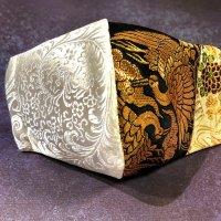 【即納】夏用!高級ジャガード白×金襴黒にゴールド鶴 和柄立体型マスク 不織布内蔵 サイズLL
