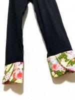 お腹すっぽり!裾変わりデザイン レギンスパンツ 黒×グリーンに金彩桜 和柄