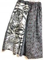 【即納】袴風ワイドパンツ 和柄 モノクロアニマル虎柄×紬や菊 着物リメイク