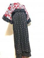 【即納】和風ワンピースドレス 和柄 赤黒サイケ花×レース重ね 肩花モチーフ付き