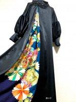 和柄振袖着物リメイクワンピースドレス ボリューム袖口 黒ストレサテン×黒花ビジュー青金彩