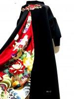和柄振袖着物リメイクワンピースドレス ふっくら袖 黒×赤花モチーフ刺繍 赤金彩 125�丈