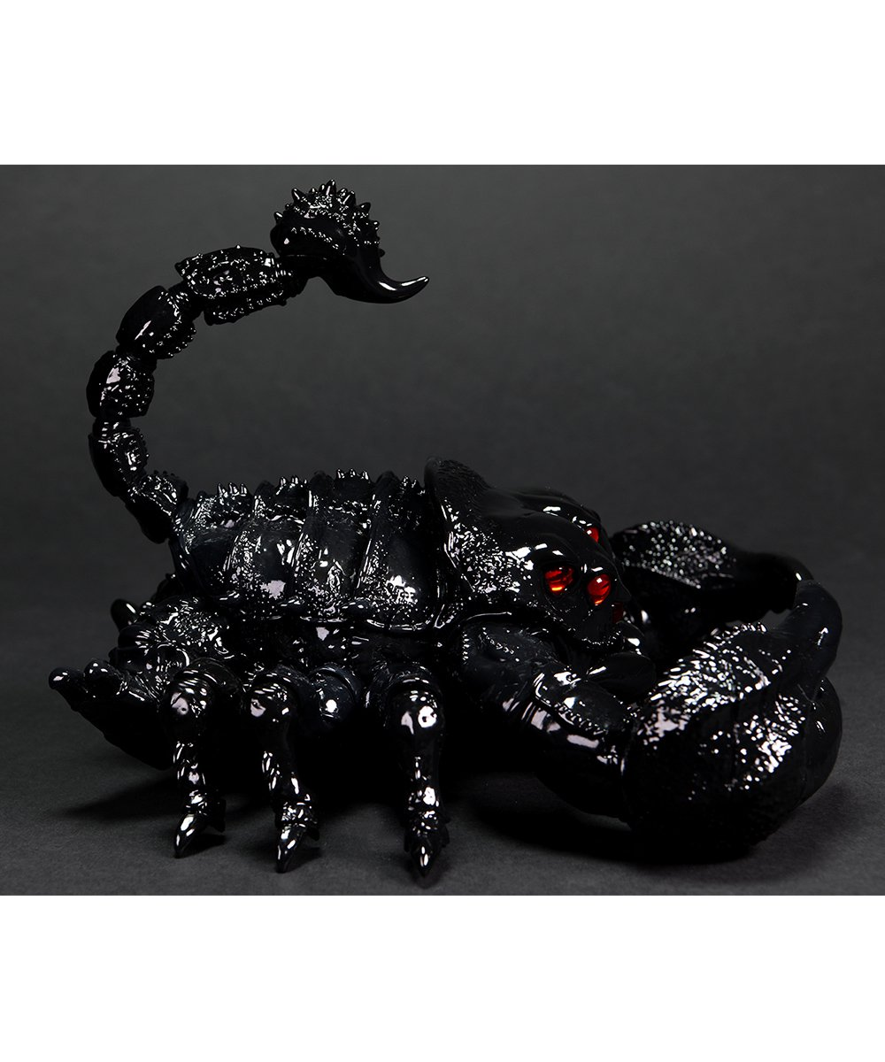 "JUBI×INSTINCTOY The Poisonous Scorpion Kaiju ""PROTO BLACK"""