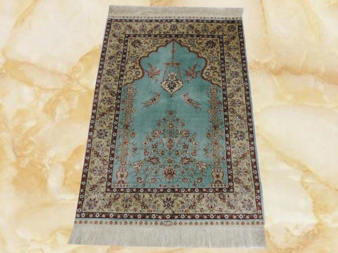 素敵な色柄の手織りシルク100%クム産ペ...