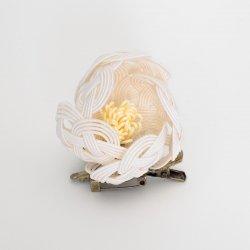 椿のブローチ/髪飾り(白)