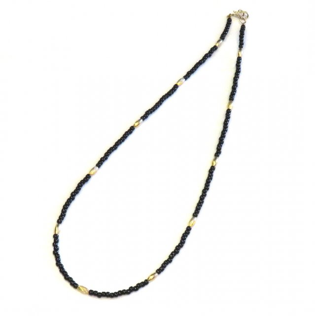 ビンゴブラザーズ ビーズ(ブラック)×ゴールドパイプ ネックレス(45cm)