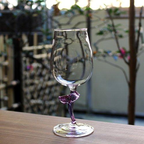 <img class='new_mark_img1' src='https://img.shop-pro.jp/img/new/icons51.gif' style='border:none;display:inline;margin:0px;padding:0px;width:auto;' />ツイストのワイングラス 紫クリア
