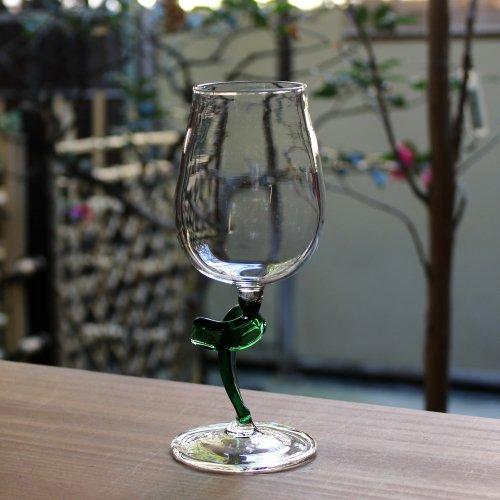 <img class='new_mark_img1' src='https://img.shop-pro.jp/img/new/icons2.gif' style='border:none;display:inline;margin:0px;padding:0px;width:auto;' />ツイストのワイングラス 緑クリア