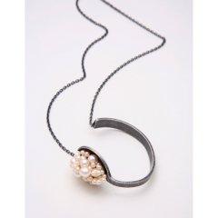 一口で食べたい ネックレス ブレスレット 【チェーン部分:真鍮 アンティーク加工 真珠:白】