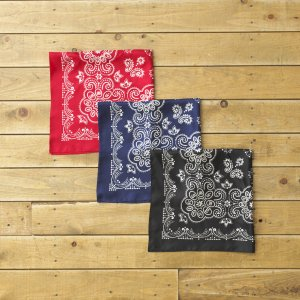 <img class='new_mark_img1' src='https://img.shop-pro.jp/img/new/icons14.gif' style='border:none;display:inline;margin:0px;padding:0px;width:auto;' />UNUSED FLOWER PATTERN SILK BANDANA