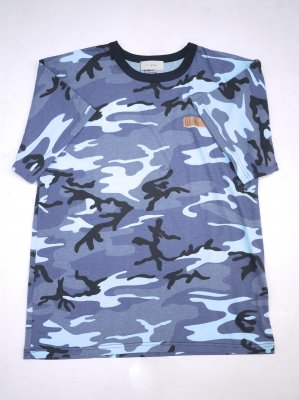 <img class='new_mark_img1' src='//img.shop-pro.jp/img/new/icons14.gif' style='border:none;display:inline;margin:0px;padding:0px;width:auto;' />JieDa GRAPHIC CAMO T-SHIRT Graphic by BCRM (BLU)