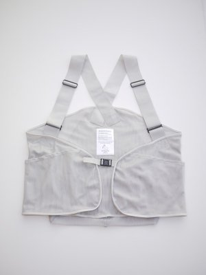 <img class='new_mark_img1' src='//img.shop-pro.jp/img/new/icons47.gif' style='border:none;display:inline;margin:0px;padding:0px;width:auto;' />Sasquatchfabrix. MESH BACKPAK VEST (GRY)