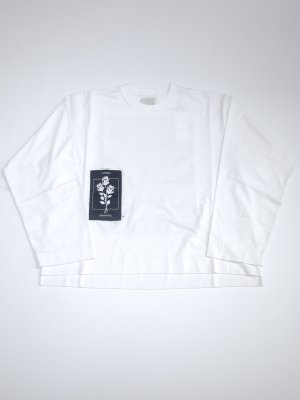 <img class='new_mark_img1' src='//img.shop-pro.jp/img/new/icons16.gif' style='border:none;display:inline;margin:0px;padding:0px;width:auto;' />[40%OFF] JieDa PATCH LONG SLEEVE T-SHIRT (WHT)