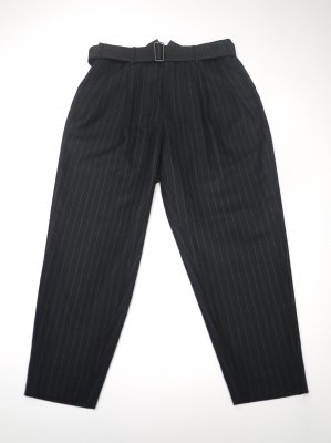<img class='new_mark_img1' src='//img.shop-pro.jp/img/new/icons14.gif' style='border:none;display:inline;margin:0px;padding:0px;width:auto;' />JieDa 2TUCK TAPERED WOOL PANTS (BLK)