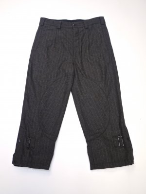 <img class='new_mark_img1' src='//img.shop-pro.jp/img/new/icons14.gif' style='border:none;display:inline;margin:0px;padding:0px;width:auto;' />AiE WOOL STRAP PANT