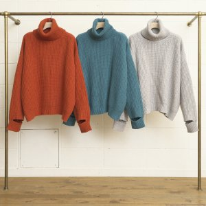 <img class='new_mark_img1' src='//img.shop-pro.jp/img/new/icons14.gif' style='border:none;display:inline;margin:0px;padding:0px;width:auto;' />UNUSED TURTLENECK SWEATER