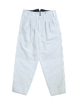 <img class='new_mark_img1' src='//img.shop-pro.jp/img/new/icons14.gif' style='border:none;display:inline;margin:0px;padding:0px;width:auto;' />JieDa STRIPE 3 TUCK SLACKS (WHT)