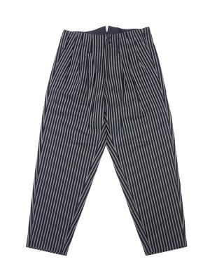 <img class='new_mark_img1' src='//img.shop-pro.jp/img/new/icons14.gif' style='border:none;display:inline;margin:0px;padding:0px;width:auto;' />JieDa STRIPE 3 TUCK SLACKS (BLK)