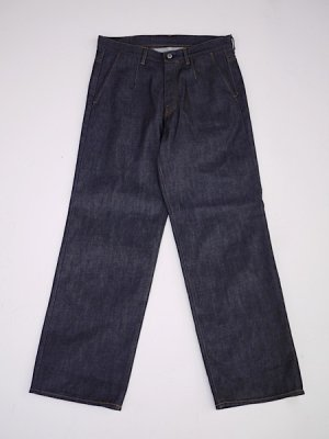 <img class='new_mark_img1' src='//img.shop-pro.jp/img/new/icons47.gif' style='border:none;display:inline;margin:0px;padding:0px;width:auto;' />NEON SIGN MODERATE DENIM SLACKS