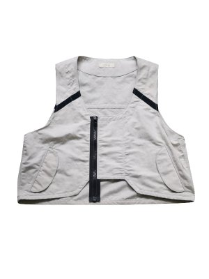 <img class='new_mark_img1' src='//img.shop-pro.jp/img/new/icons16.gif' style='border:none;display:inline;margin:0px;padding:0px;width:auto;' />[20%OFF] JieDa FLIGHT VEST (GRY)