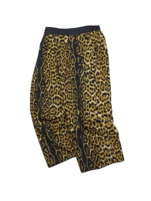 <img class='new_mark_img1' src='//img.shop-pro.jp/img/new/icons14.gif' style='border:none;display:inline;margin:0px;padding:0px;width:auto;' />Sasquatchfabrix. ANIMAL PRINT FLANNEL PANTS (LEO)