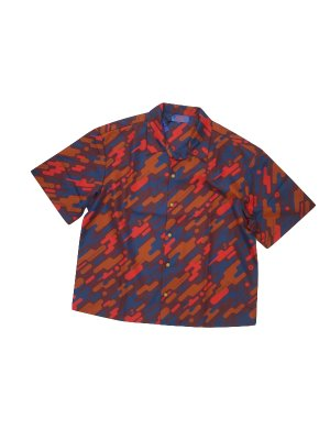 <img class='new_mark_img1' src='https://img.shop-pro.jp/img/new/icons16.gif' style='border:none;display:inline;margin:0px;padding:0px;width:auto;' />[50%OFF] ADANS FUTURE CAMO SHIRT