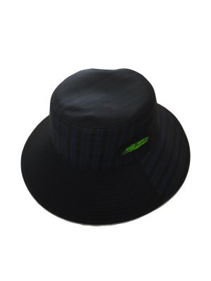 <img class='new_mark_img1' src='//img.shop-pro.jp/img/new/icons14.gif' style='border:none;display:inline;margin:0px;padding:0px;width:auto;' />JieDa SWITCHING LONG BRIM BUCKET HAT (BLK)