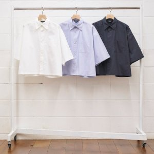 <img class='new_mark_img1' src='https://img.shop-pro.jp/img/new/icons14.gif' style='border:none;display:inline;margin:0px;padding:0px;width:auto;' />UNUSED COTTON SHORT SLEEVE SHIRT