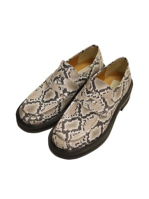 <img class='new_mark_img1' src='https://img.shop-pro.jp/img/new/icons55.gif' style='border:none;display:inline;margin:0px;padding:0px;width:auto;' />JieDa SNAKE LOAFERS