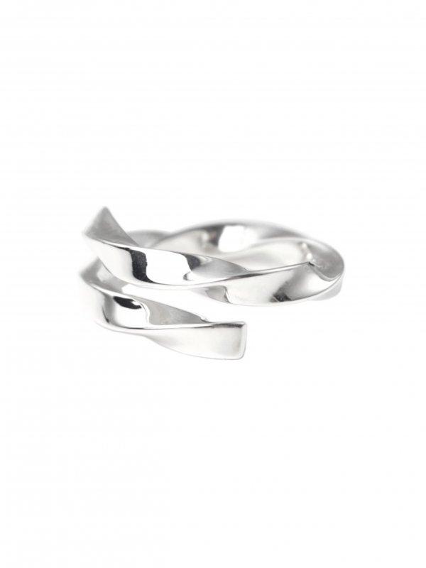 EPHEMERAL triangle twist ring