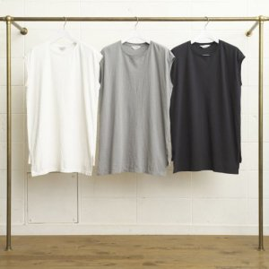 <img class='new_mark_img1' src='//img.shop-pro.jp/img/new/icons47.gif' style='border:none;display:inline;margin:0px;padding:0px;width:auto;' />UNUSED SLEEVELESS T-SHIRT