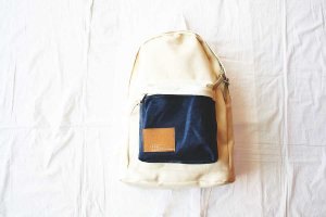 spoken words project スポークンワーズプロジェクト daypack col/ white [50%OFF]
