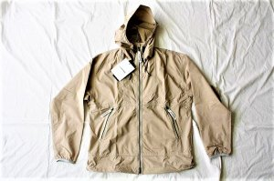 ■and wander アンドワンダー women's PERTEX wind jacket