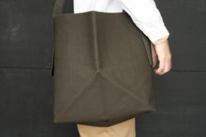 ■ how to live ハウトゥリブ Origami Bag col    khaki
