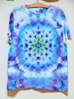 <img class='new_mark_img1' src='https://img.shop-pro.jp/img/new/icons15.gif' style='border:none;display:inline;margin:0px;padding:0px;width:auto;' />Hippies Dye☆Tシャツ XLサイズ ムラ染めブルーに美しい曼荼羅模様!