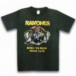 <img class='new_mark_img1' src='https://img.shop-pro.jp/img/new/icons15.gif' style='border:none;display:inline;margin:0px;padding:0px;width:auto;' />ラモーンズ RAMONES Tシャツ