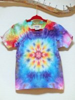 <img class='new_mark_img1' src='https://img.shop-pro.jp/img/new/icons15.gif' style='border:none;display:inline;margin:0px;padding:0px;width:auto;' />HIPPIES DYE 手染めタイダイ絞り染め マンダラ Tシャツ♪キッズ110cm
