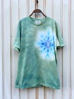 <img class='new_mark_img1' src='https://img.shop-pro.jp/img/new/icons15.gif' style='border:none;display:inline;margin:0px;padding:0px;width:auto;' />Hippies Dye☆Tシャツ Lサイズ タイダイ曼荼羅☆ グリーン