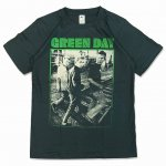<img class='new_mark_img1' src='https://img.shop-pro.jp/img/new/icons15.gif' style='border:none;display:inline;margin:0px;padding:0px;width:auto;' />グリーンデイ GREEN DAY バンド Tシャツ