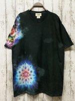 <img class='new_mark_img1' src='https://img.shop-pro.jp/img/new/icons15.gif' style='border:none;display:inline;margin:0px;padding:0px;width:auto;' />タイダイ染め Tシャツ XLサイズ 曼荼羅  ブラックビューティ Hippies Dye
