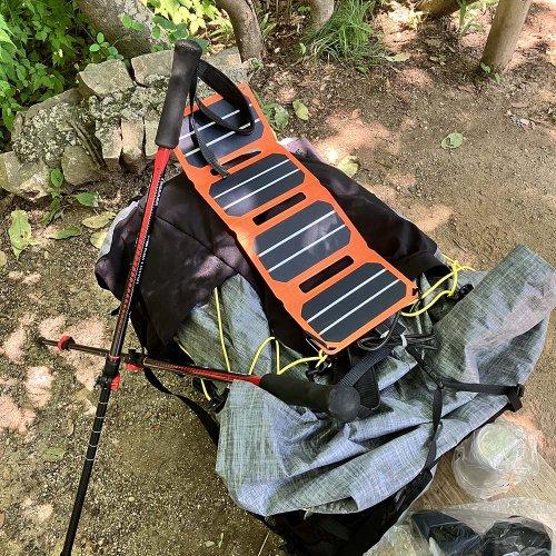 Flex Solar ポケットパワーセット 超軽量ソーラーパネル スマホ カメラの充電可能 キャンプ フェス 登山 flexsolar-01