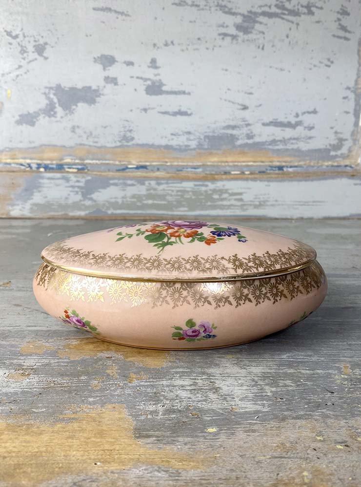 LIMOGES 花模様のボンボニエール オーバル ピンク