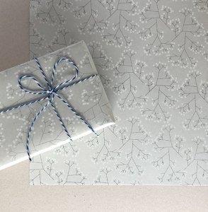 【大判オーダー】グレーかすみ草柄包装紙
