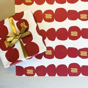 【大判オーダー】moco-mocoツバキ柄包装紙